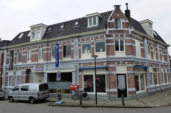 Het pand van Molenaar Verzekeringen en Van de Steeg Accountancy aan de Lipperkerstraat in Enschede